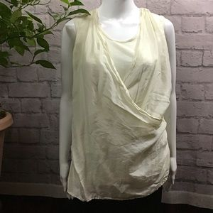 💙 SALE 3/$15 Silk cream layered draped medium top